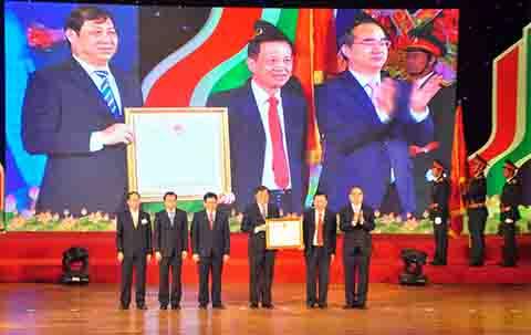 Đà Nẵng nhận Huân chương Độc lập hạng Nhất, Thi đua yêu nước, Đảng và Nhà nước trao tặng