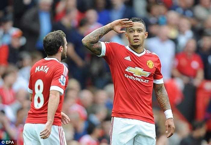 Trận thắng Sunderland 3-0 ngày 26/9 chính thức đưa MU lên ngôi số 1 Premier League. Trong suốt 110 tuần trước đó, chưa lần nào họ làm được điều này