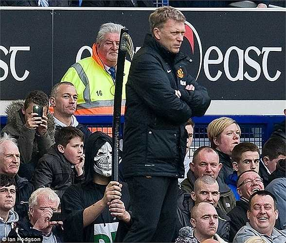 Triều đại David Moyes chấm dứt ngày 20/4/2014, khi MU thua 0-2 trước Everton và không còn cơ hội dự cúp châu  u mùa sau. Sau thất bại này, Ryan Giggs trở thành HLV tạm quyền của Quỷ đỏ