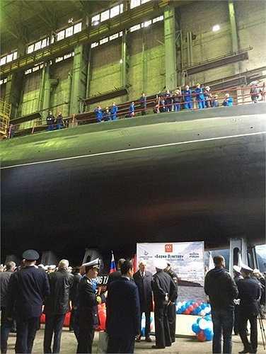 Đến nay Nga đã giao Việt Nam 4 tàu ngầm (182 Hà Nội, 183 TP.Hồ Chí Minh, 184 Hải Phòng, 185 Khánh Hoà), chiếc thứ 5 là 186 Đà Nẵng đang tiếp tục thử nghiệm trên biển Baltic. Dự kiến việc bàn giao 2 tàu ngầm cuối này sẽ diễn ra vào năm 2016.