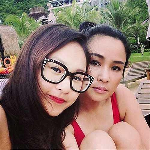 Hai mẹ con Thanh Lam rất gần gũi.