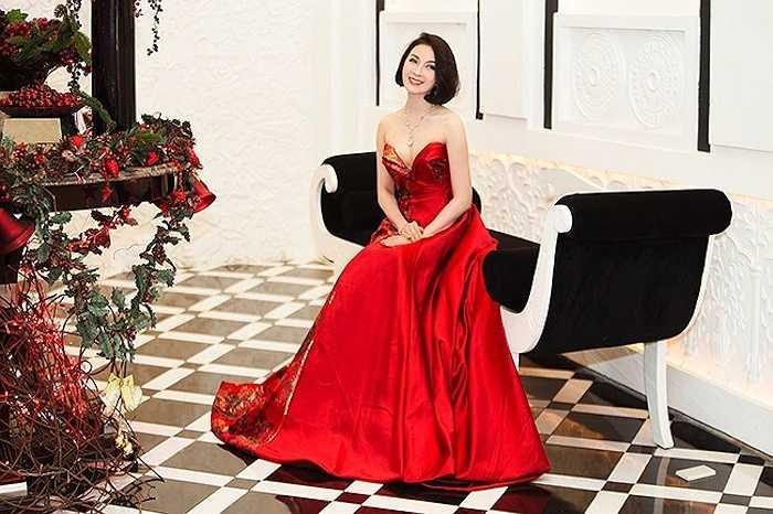 Có kinh nghiệm trong làm đẹp và chăm sóc bản thân, Thanh Mai cũng luôn chú ý đón đầu các mẫu mốt để vẻ ngoài tỏ sáng.