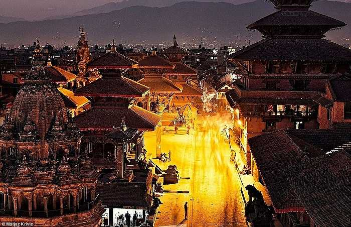 Một đêm yên bình trong thị trấn Patan và quảng trường Durbar ở thành phố Kathmandu, Nepal