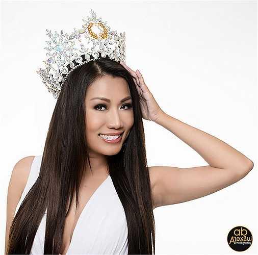 Kelly Trang Trần cho biết, chị rất ngưỡng mộ ý chí của tân Hoa hậu quý bà Mỹ.