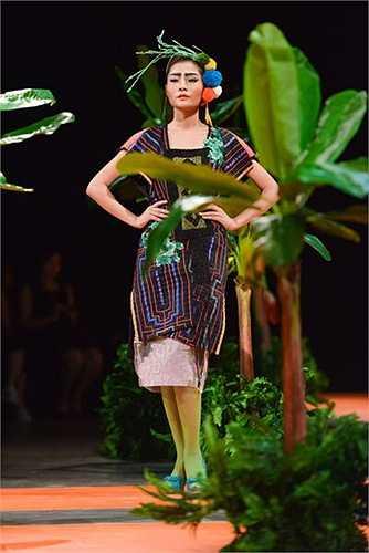 Hùng Việt thực sự đã tạo ấn tượng mạnh trong lần ra mắt những thiết kế này.