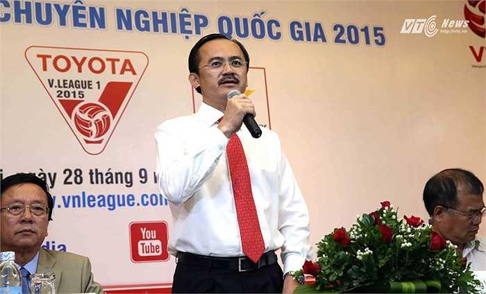 Chủ tịch HĐQT Võ Quốc Thắng hứa sẽ có câu trả lời chi tiết về mặt nhân sự trong đại hội cổ đông sắp tới của VPF. (Ảnh: Quang Minh)