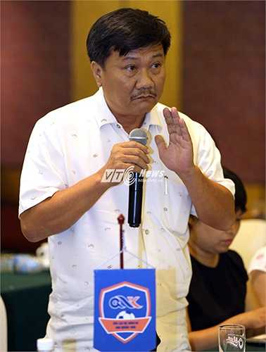 Ông Nguyễn Húp, chủ tịch CLB QNK Quảng Nam đề nghị VPF, VFF phải thống nhất trong phát ngôn, tránh việc làm khó các CLB như kiểu bầu Đức. (Ảnh: Quang Minh)