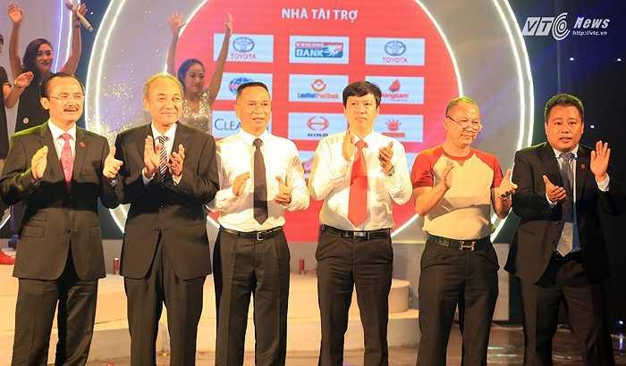 CLB Hà Nội là đội bóng duy nhất giành vé thăng hạng V-League. (Ảnh: Phạm Thành)