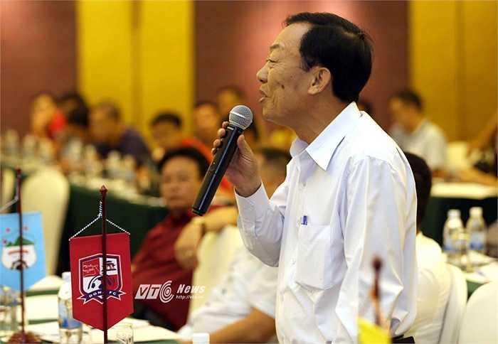 Đại diện Đồng Nai đề nghị lãnh đạo ngành thể thao, VPF, VFF nên đi sâu tìm hiểu vì sao các CLB cứ xuống hạng là giải thể như trường hợp của Hùng Vương An Giang hay chính Đồng Nai cũng chưa rõ tương lai sắp tới thế nào. (Ảnh: Quang Minh)