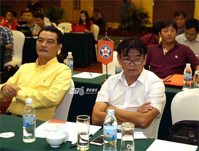 Đại diện Hà Nội T&T. Chủ tịch Nguyễn Quốc Hội nêu ý kiến nên điều chỉnh quãng thời gian nghỉ giữa các giai đoạn hợp lý hơn cũng như việc đăng ký thi đấu cho các ngoại binh nên được xem xét cẩn thận, kỹ lưỡng hơn. (Ảnh: Quang Minh)