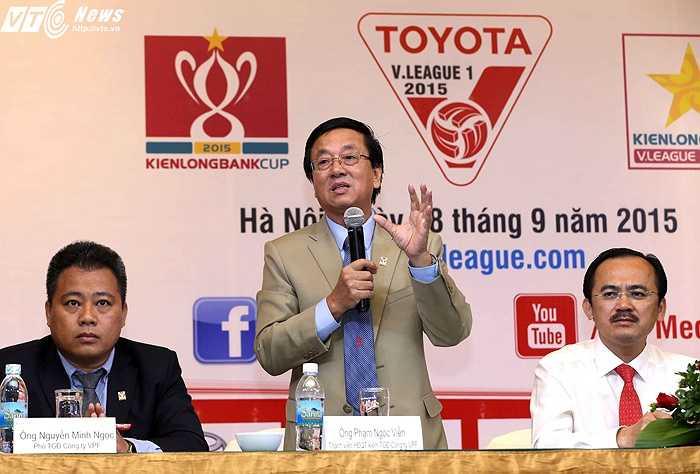 Tổng giám đốc VPF Phạm Ngọc Viễn thừa nhận một số thiếu sót được các đại biểu nêu ra, đặc biệt là ở khâu phát ngôn như trường hợp của bầu Đức. (Ảnh: Quang Minh)