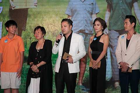Victor Vũ là một đạo diễn nổi tiếng của điện ảnh Việt với nhiều bộ phim ăn khách như: Quả tim máu, Scandal, Cô dâu đại chiến, Thiên mệnh anh hùng, Giao lộ định mệnh...