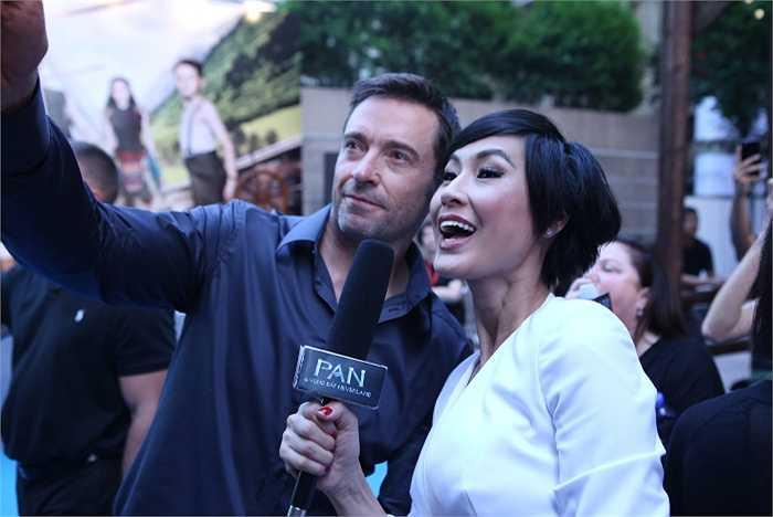 Anh còn tiết lộ thêm rằng khán giả Việt Nam sẽ rất bất ngờ bởi Pan và vùng đất Neverland có tới 2 phân đoạn được quay tại Hang Én (Quảng Bình).