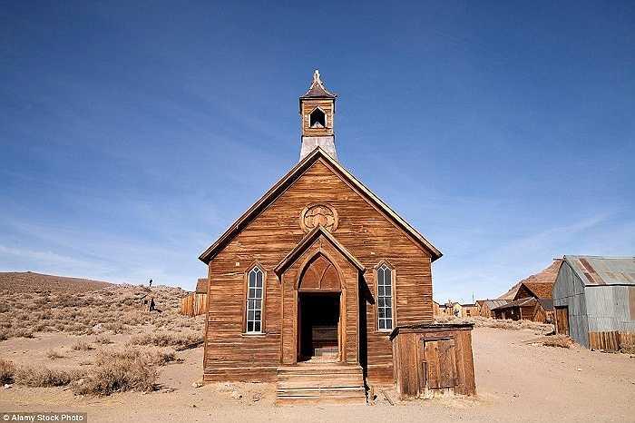 Thị trấn Bodie, California là một ví dụ điển hình một khu định cư phát triển trong thời kỳ Cơn sốt vàng California (1848-1855), giờ đây nó chỉ là một 'thị trấn ma'
