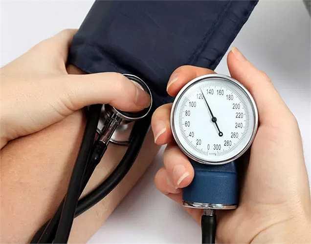3. Tăng huyết áp là một rối loạn ảnh hưởng tới động mạch khi máu được bơm vào.