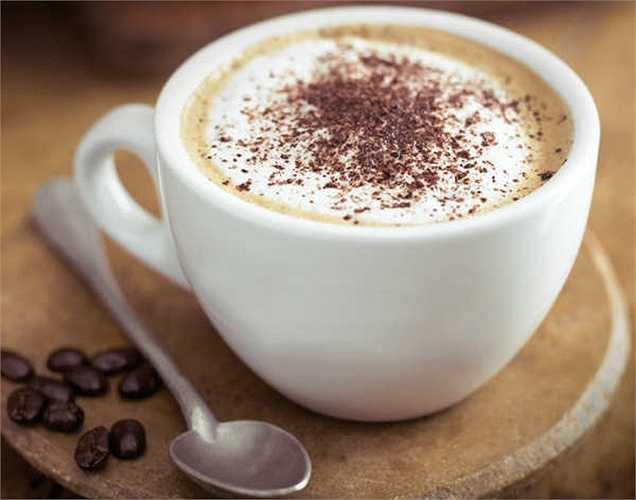 Caffeine: có thể làm giảm tỷ lệ hấp thu canxi trong cơ thể và điều này có thể làm tăng nguy cơ loãng xương.