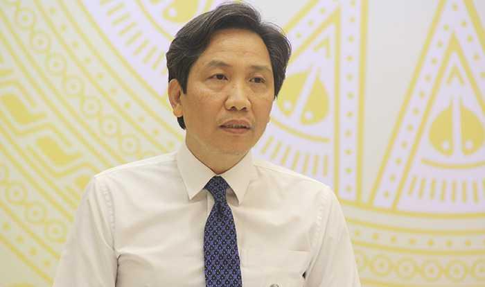 Thứ trưởng Bộ Nội vụ Trần Anh Tuấn trả lời câu hỏi báo chí về việc Bổ nhiệm Giám đốc Sở Kế hoạch Đầu tư Quảng Nam (Ảnh: Phạm Thịnh)