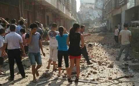 Tòa nhà bị sập trong vụ nổ