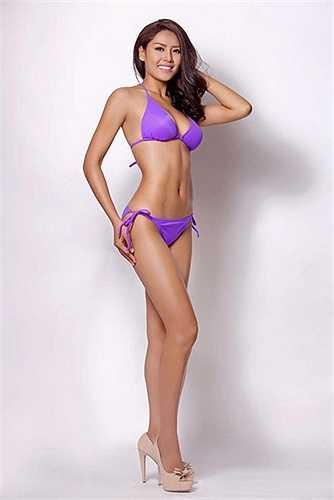 Từng đoạt giải á hậu các dân tộc Việt Nam 2013, Người đẹp Biển tại Hoa hậu Việt Nam 2013, Top 25 Hoa hậu Thế giới 2014, Nguyễn Thị Loan cũng là một trong những người đẹp được kỳ vọng tại đấu trường nhan sắc năm nay