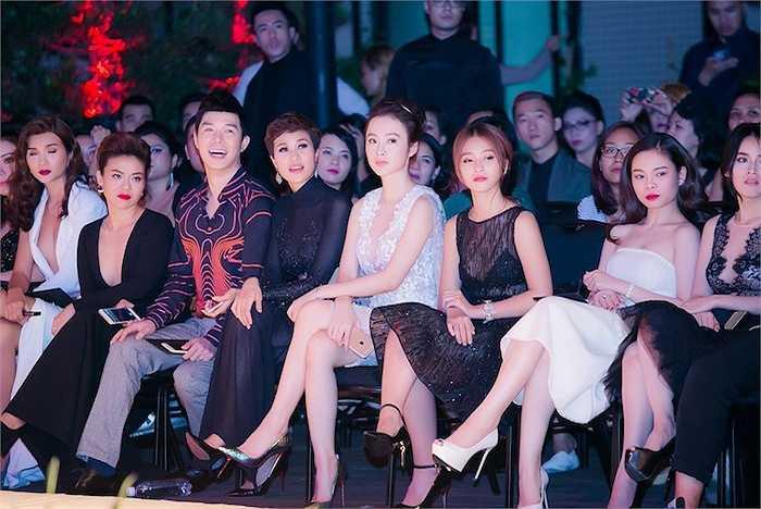 80 thiết kế Thu – Đông 2015 với 60 thiết kế ứng dụng thuộc dòng Rin by Chung Thanh Phong và 20 trang phục cưới từ Bridal by Chung Thanh Phong, bộ sưu tập 'Ange ou Démon – Thiên thần hay Quỷ dữ' của nhà thiết kế là một trong những điểm nhấn của làng mốt Việt trong nửa cuối năm 2015.