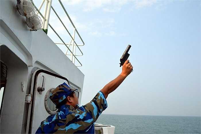 Trong 2 ngày 30/9 và 1/10, Bộ tư lệnh Vùng 1 Cảnh sát biển đã tổ chức diễn tập hiệp đồng với các lực lượng chức năng chống cướp có vũ trang, buôn bán, vận chuyển hàng hóa trái phép và tìm kiếm cứu nạn, cứu hộ trên biển.