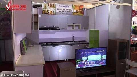 Một khu bếp hiện đại được bày bán tại hội chợ