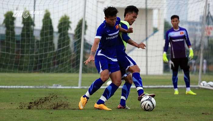 Thanh Hiền cạnh tranh cho vị trí hậu vệ phải của tuyển Việt Nam. (Ảnh: Phạm Thành)