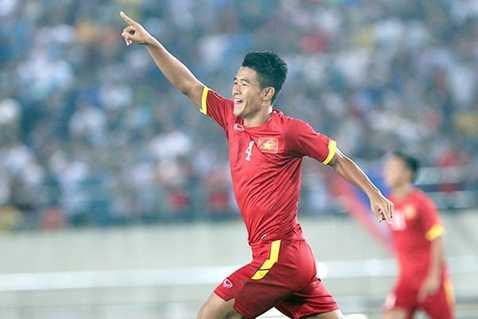 Đức Chinh là người lập cú đúp trong trận mở màn gặp U19 Hong Kong