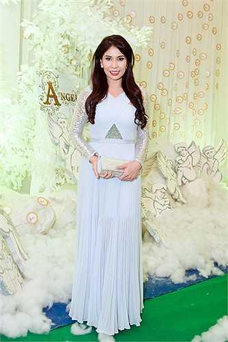 Lý Hương thời điểm này trở lại phim ảnh với vai trò diễn viên phim truyền hình và ca hát.