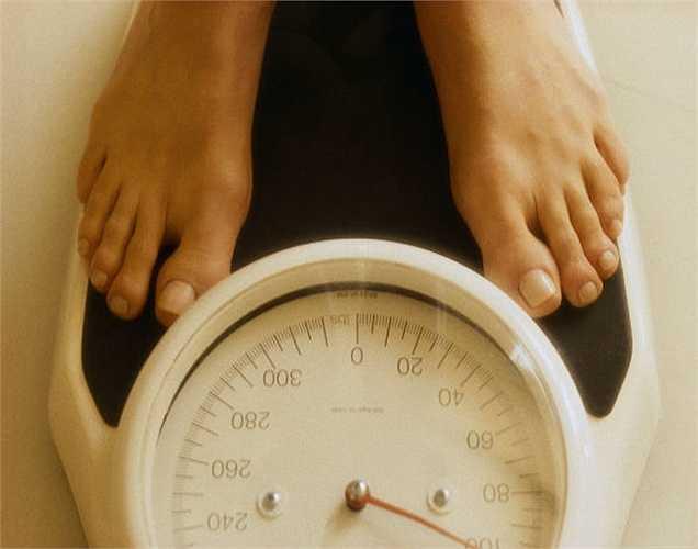 7. Bạn sẽ mất hơn 500 calo khi bạn hiến máu. Điều này có thể giúp bạn duy trì trọng lượng khỏe mạnh. Nhưng tất nhiên, bạn không thể hiến máu để giảm cân vì có thể gây nguy hiểm cho sức khỏe của bạn.