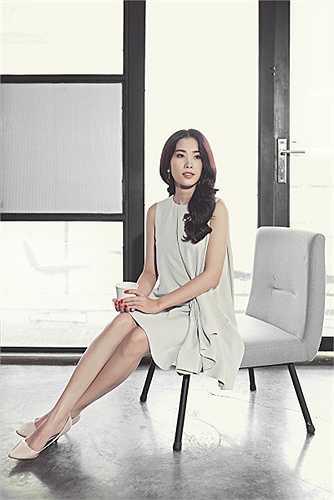 Là người dẫn chương trình của những cuộc thi nhan sắc lớn, Vũ Mạnh Cường đã gặp Nam Em lần đầu tiên trong đêm Chung kết Hoa khôi đồng bằng 2015.