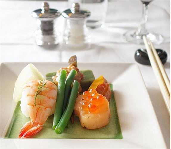 Món sushi với cách trình bày đẹp mắt trên khoang hạng nhất của hãng British Airways.