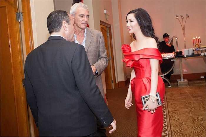 Hoa Hậu Đền Hùng Giáng My vinh dự tham gia sự kiện này với vai trò khách mời đặc biệt trong buổi tiệc.