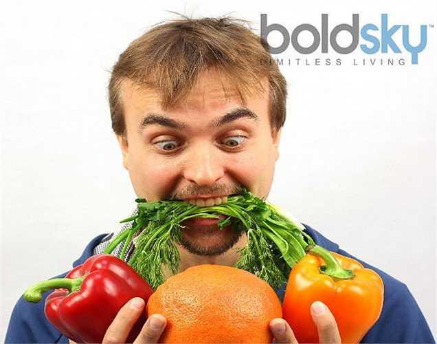Rau giúp sống lâu hơn: người ta nói rằng những người ăn chay sống lâu và hạnh phúc. Lý do là, rau có chứa chất xơ, dinh dưỡng thực vật, chất chống oxy hóa, vitamin và khoáng chất, tăng cường hệ thống miễn dịch.