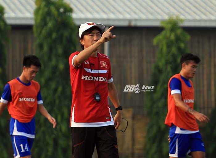 HLV Miura sẽ có 2 trận đấu với Iraq và Thái Lan đầy chông gai (Ảnh: Hoàng Tùng)