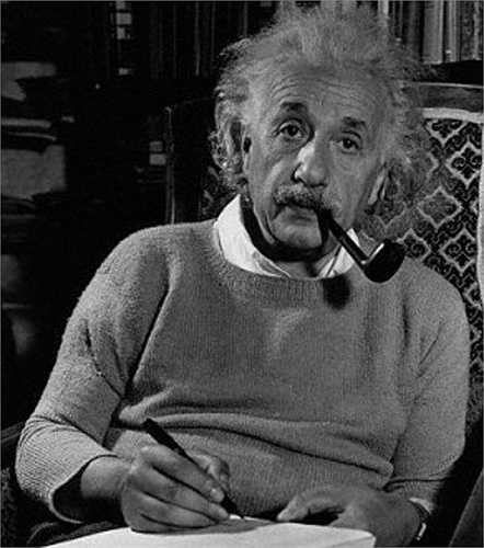 Năm 1955, Albert Einstein mắc phình động mạch chủ và được chuyển đến bệnh viện ở Princeton. Ông từ chối chữa trị, nói rằng: 'tôi đã làm xong phần của mình, bây giờ là lúc phải đi rồi'. Ông ra đi buổi sáng hôm sau, hưởng thọ 76 tuổi