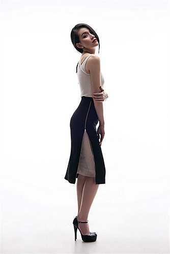 Trước giờ khắc trao vương miện cho tân Hoa hậu, Thùy Lâm vô cùng xúc động, cô hy vọng BTC sẽ tìm ra gương mặt xứng đáng đại diện cho người phụ nữ Việt Nam để tham dự cuộc thi Hoa hậu hoàn vũ Thế giới.