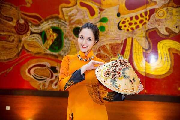 Á hậu Hoàng Anh chia sẻ, Diễm Trang hơn cô 4 tuổi nên rất chín chắn.