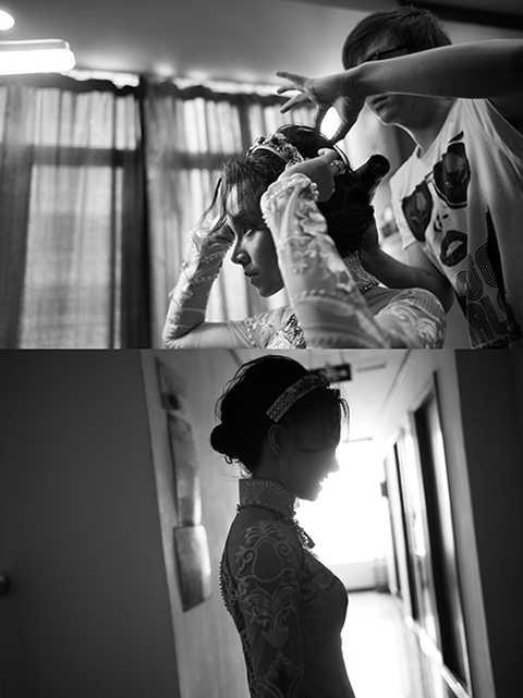Và trong ngày vui trọng đại vào sáng qua, nữ diễn viên đã không giấu được cảm xúc hạnh phúc. Nàng đã hoàn tất công việc chuẩn bị cho buổi lễ từ rất sớm và hồi hộp chờ đợi chàng bạch mã hoàng tử của mình xuất hiện.