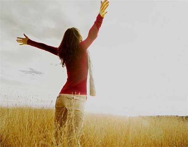 9. Chuyên gia y tế nói rằng đủ lượng ánh sáng mặt trời là rất quan trọng để cảm thấy bình thường. Tiếp xúc với ánh nắng mặt trời cũng tác động đến tâm trạng của bạn.