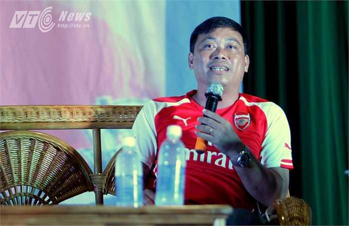 ... BLV Quang Tùng là khách mời của buổi Big off fan Arsenal - MU. Cả 2 đều là fan ruột của Pháo thủ.