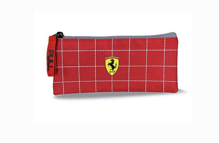 Túi đựng bút chì Ferrari là một sản phẩm chính hãng do Ferrari sản xuất, không phải hàng nhái thương hiệu hay nhượng quyền nhãn hiệu. Sản phẩm có vẻ dễ mua nếu bạn đang ở Ý.