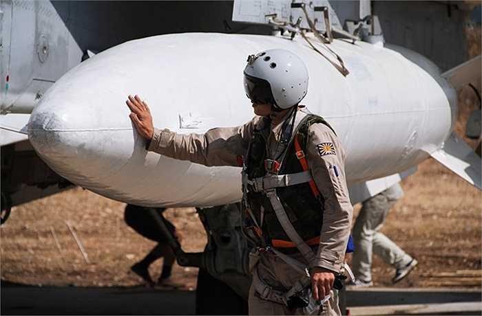Phi công Nga trước giờ làm nhiệm vụ