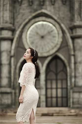 Sau khi làm đám cưới với người mẫu Doãn Tuấn vào năm 2014, Quỳnh Nga dường như biến mất hoàn toàn khỏi các hoạt động của showbiz…