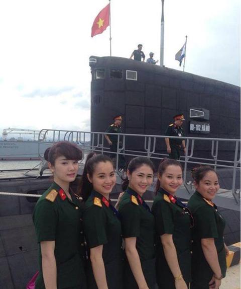 Hình ảnh về tàu ngầm Việt Nam trên trang mạng Trung Quốc