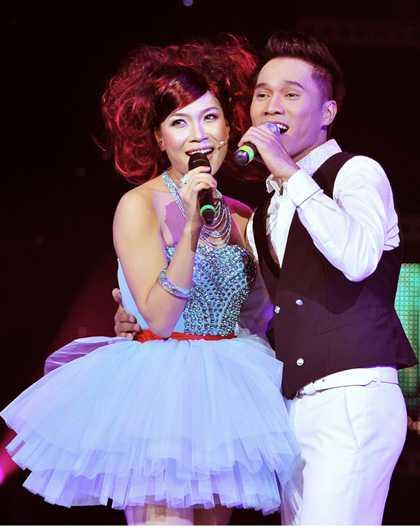 Lương Viết Quang từng xuất hiện trong liveshow Cho một tình yêu của Mỹ Tâm.