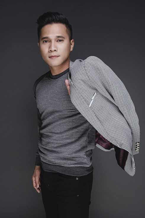 Lương Viết Quang sở hữu chất giọng trầm ấm với những bản ballad ngọt ngào.