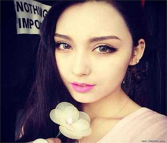 Rất nhiều đàn ông Trung Quốc mong muốn lấy vợ Tân Cương vì vẻ bề ngoài xinh đẹp của phụ nữ nơi đây.