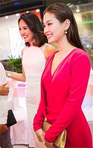 Á hậu Diễm Trang diện bộ cánh dạ hội màu hồng sang trọng