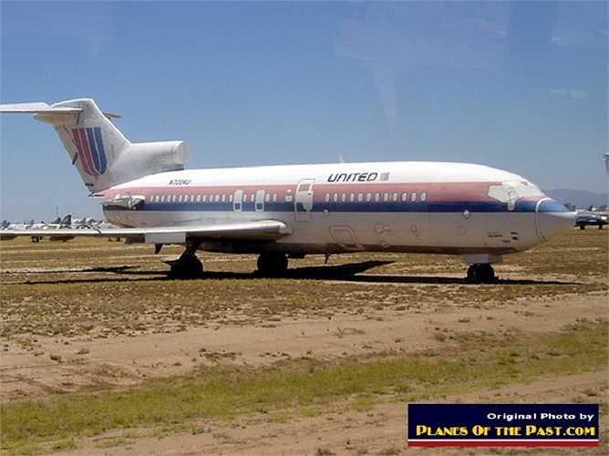 Một chiếc Boeing 727-100 sản xuất từ năm 1963